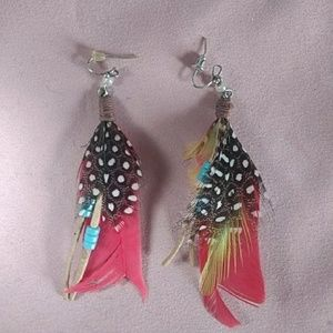 Jewelry - 😍 3/$10 Red and Black Feather Earrings